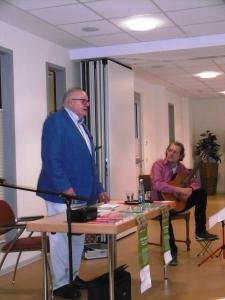 Lesung mit Herrn Nientiedt, musikalische Begleitung Herr Lammerding